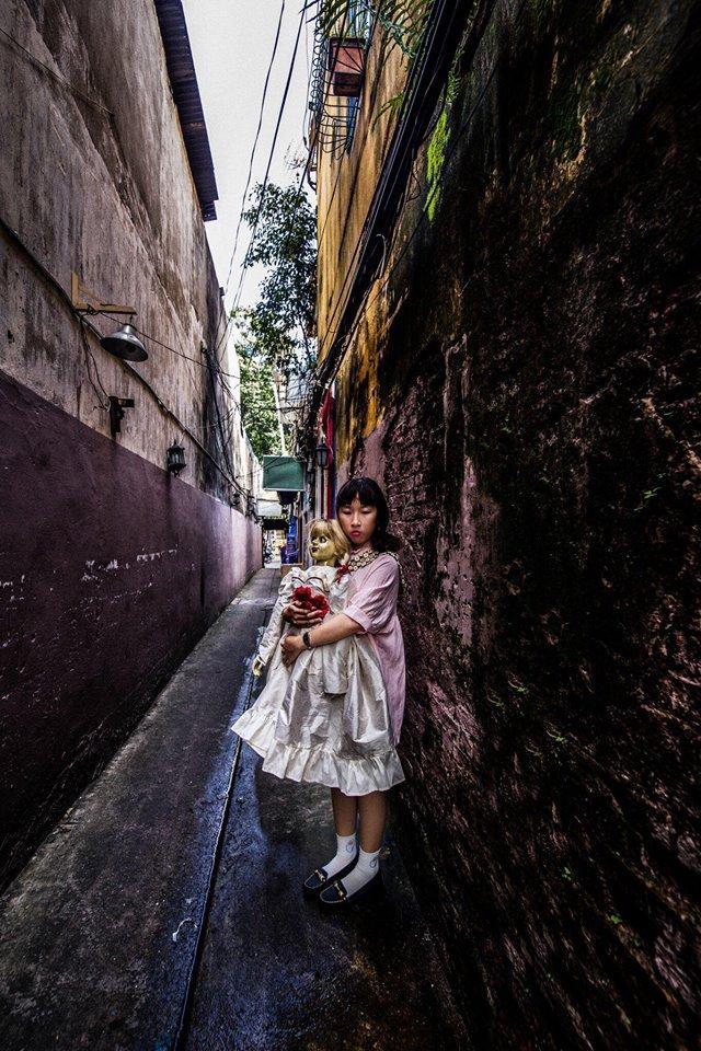 Trang Hý tung bộ ảnh 'Cùng Annabelle đi khắp thế gian' gây sốt-9