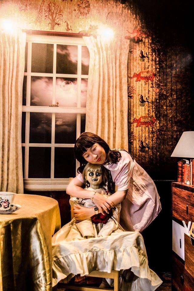 Trang Hý tung bộ ảnh 'Cùng Annabelle đi khắp thế gian' gây sốt-11