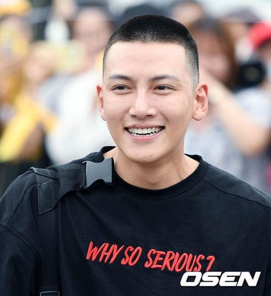 Sao Hàn 14/8: Kim Tae Hee gửi một xe cà phê ủng hộ phim của ông xã Bi Rain-5