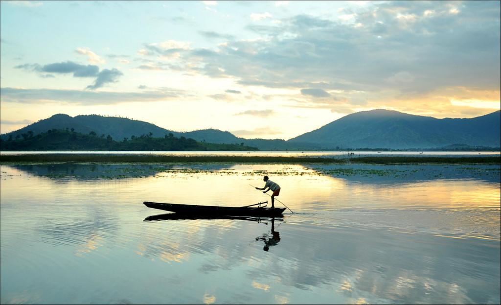 Trôi trên những mặt hồ êm ả trong 'Dấu ấn Việt Nam'-12