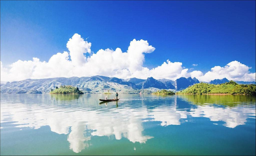 Trôi trên những mặt hồ êm ả trong 'Dấu ấn Việt Nam'-3