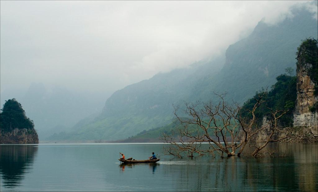 Trôi trên những mặt hồ êm ả trong 'Dấu ấn Việt Nam'-4