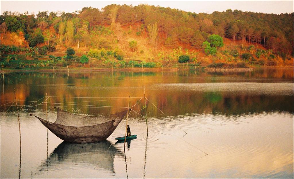 Trôi trên những mặt hồ êm ả trong 'Dấu ấn Việt Nam'-5