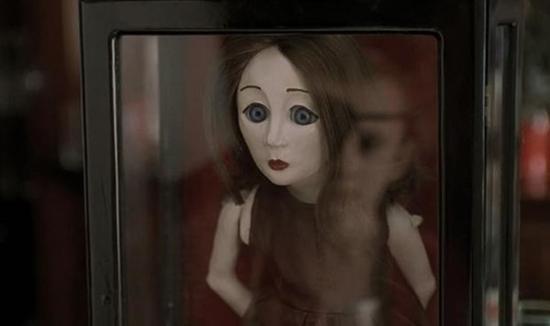 Không chỉ có Annabelle, màn ảnh thế giới còn nhiều búp bê ma đáng sợ hơn thế-3