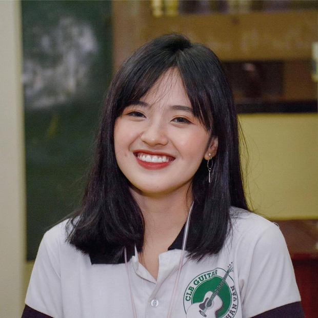 Cô gái Nhân văn năm ấy ai cũng muốn học cùng: Xinh, hát hay lại giỏi ngoại ngữ-3