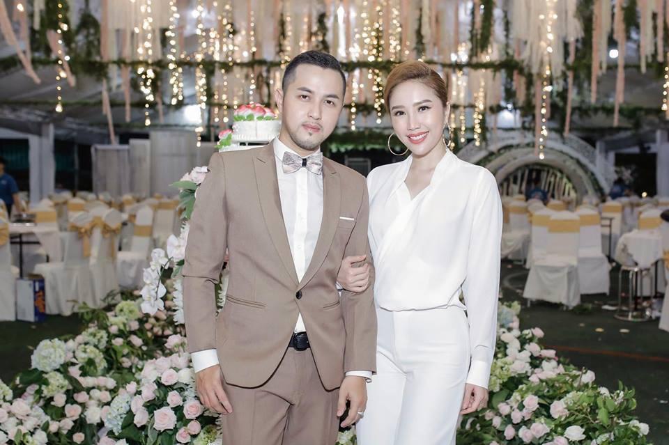 Hot girl - hot boy Việt 15/8: Gia đình Phở và SunHt gặp gỡ ăn tối cùng nhau-3