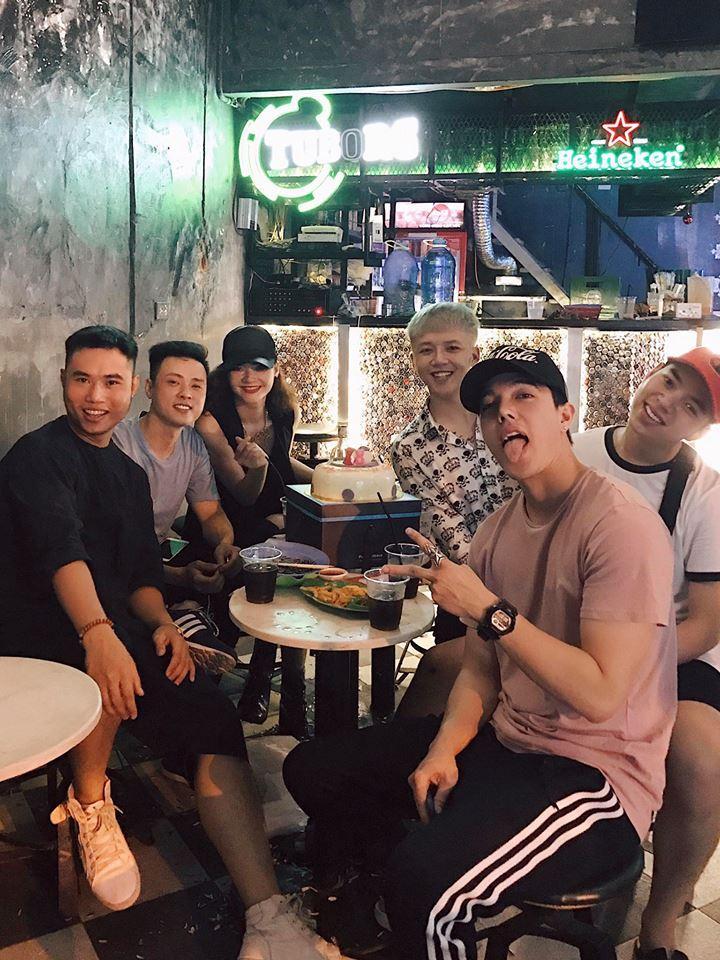 Hot girl - hot boy Việt 15/8: Gia đình Phở và SunHt gặp gỡ ăn tối cùng nhau-10