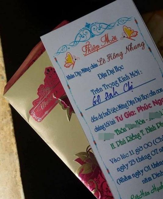 Ngỡ nhận được tấm thiệp mời ăn cưới, ai ngờ 'nhà người ta' mừng con trai đỗ đại học-3