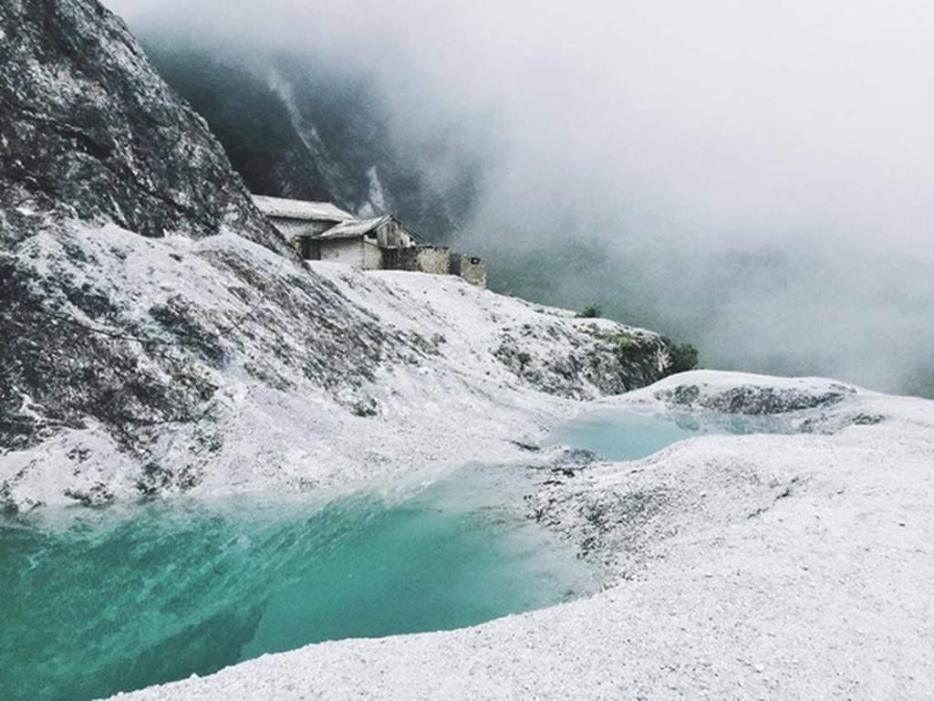 Ngỡ ngàng ngọn đèo phủ đầy 'tuyết' trắng đẹp như châu Âu ở Hòa Bình-10
