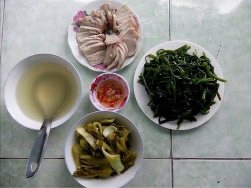 Cô nàng nhờ tư vấn nấu cơm 30k/bữa cho hai vợ chồng, chị em hồ hởi giới thiệu nhiều món ngon giá rẻ