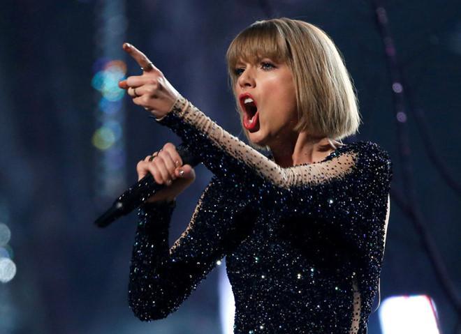 Taylor Swift thắng vụ kiện bị sàm sỡ, nhận 1 USD tiền đền bù-1