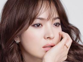 Sao Hàn 15/8: Song Hye Kyo được khen ngợi vì chăm chỉ từ thiện