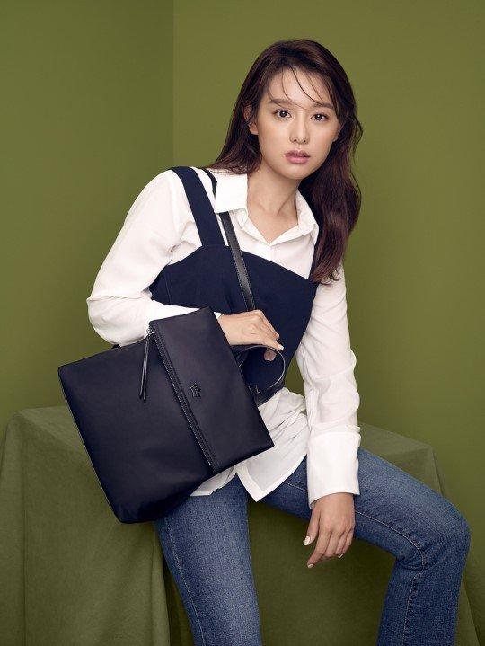 Sao Hàn 15/8: Song Hye Kyo được khen ngợi vì chăm chỉ từ thiện-7
