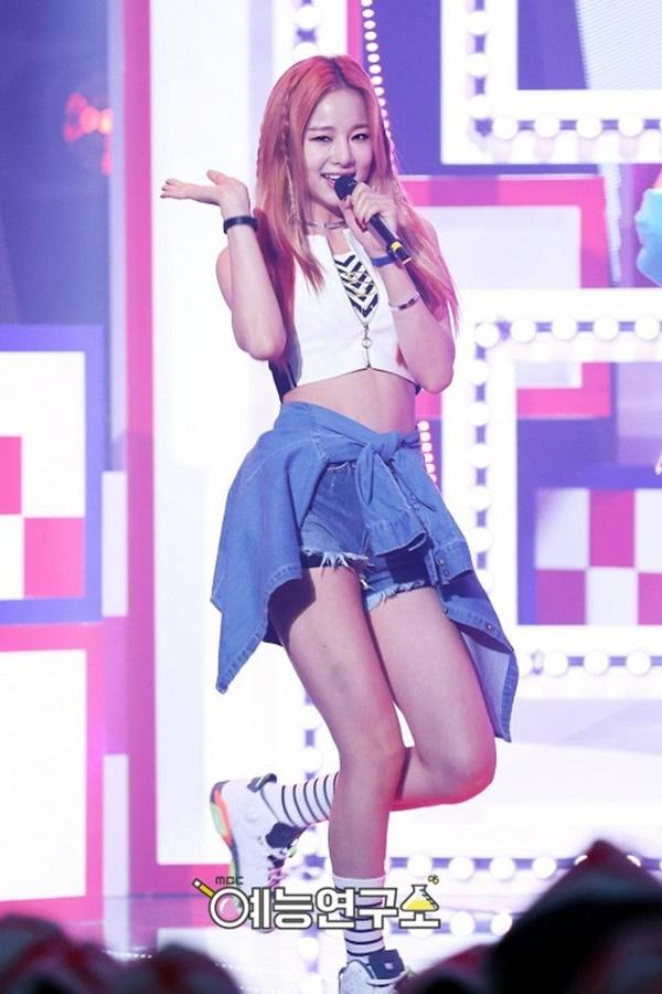Không chỉ Hyoyeon (SNSD), rất nhiều idol Kpop từng phàn nàn về sự vô lễ của đàn em-4