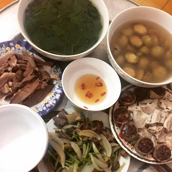 Phát hờn với 5 mâm cơm phiên bản chồng nhà người ta nấu tặng vợ-3