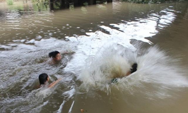 Quảng Ninh: Trượt chân xuống hồ, hai chị em ruột chết thảm-1