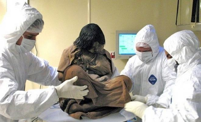 Xác ướp bé gái được chôn từ 500 năm trước còn vẹn nguyên và bí mật chưa từng được tiết lộ-2