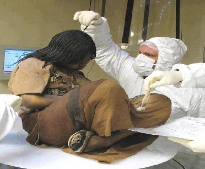 Xác ướp bé gái được chôn từ 500 năm trước còn vẹn nguyên và bí mật chưa từng được tiết lộ-3