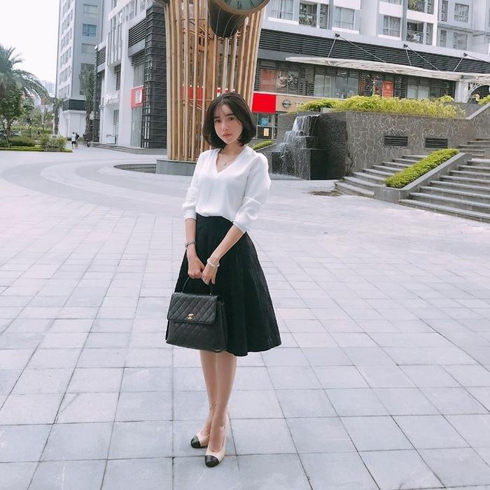 Không hẹn mà gặp, dàn sao Việt đồng loạt diện tông đen - trắng trong street style tuần này-2