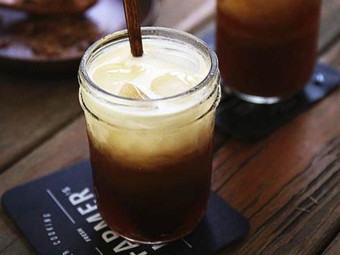 Trà sữa dừa kiểu Thái, thức uống mát lạnh mới lạ cho mùa hè