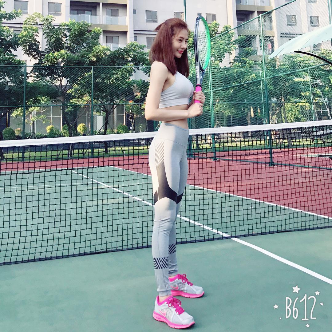 Sau khi chia tay Lâm Vinh Hải, người mẫu Linh Chi khoe cuộc sống vui vẻ và vương giả-2