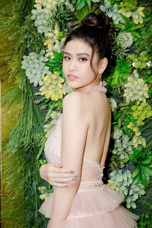 Trương Quỳnh Anh xinh đẹp không thua kém bạn thân hoa hậu-2