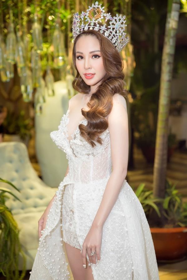 Trương Quỳnh Anh xinh đẹp không thua kém bạn thân hoa hậu-4
