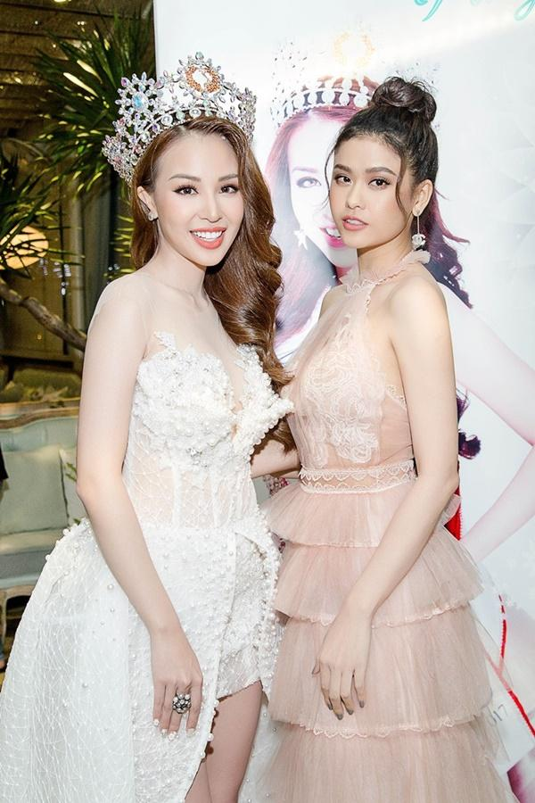 Trương Quỳnh Anh xinh đẹp không thua kém bạn thân hoa hậu-5