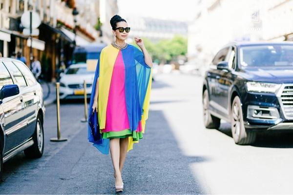 Bất chấp tuổi tác, Diễm My chinh phục bộ sưu tập váy sặc sỡ còn hơn nhiều hotteen-8