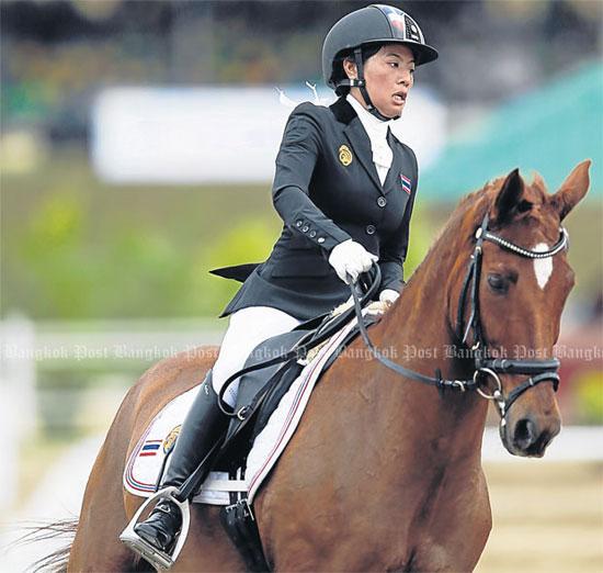 Công chúa xinh đẹp của Thái Lan tranh tài cưỡi ngựa tại SEA Games 29-2