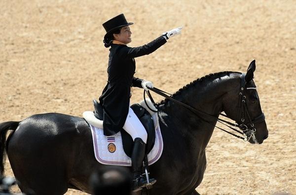 Công chúa xinh đẹp của Thái Lan tranh tài cưỡi ngựa tại SEA Games 29-8