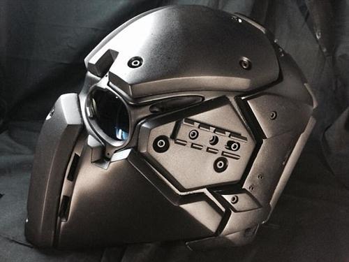 Đặc nhiệm Anh mê mẩn mũ siêu chiến binh Star War
