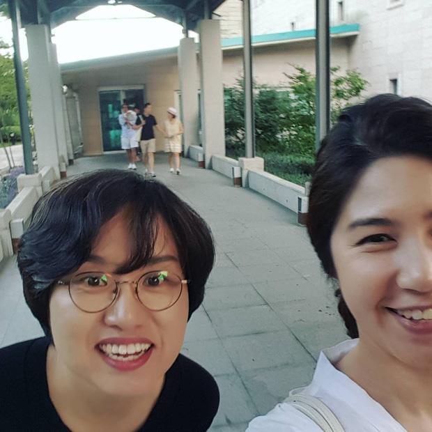 Hiếm hoi lắm, người hâm mộ mới được ngắm gia đình 3 người nhà Bae Yong Joon cùng xuất hiện-1