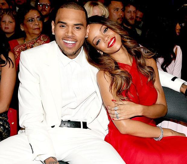 Chris Brown kể sự thật về đêm hành hung Rihanna bầm mặt: 'Cô ấy đánh và nhổ máu vào mặt tôi'-2