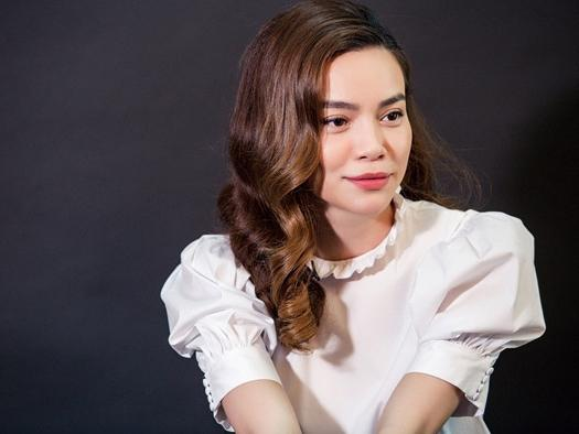 Hồ Ngọc Hà thừa nhận lấy chuyện hẹn hò Kim Lý để PR