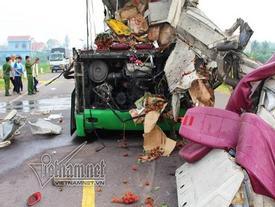 Bình Định: Tai nạn thảm khốc 5 người chết