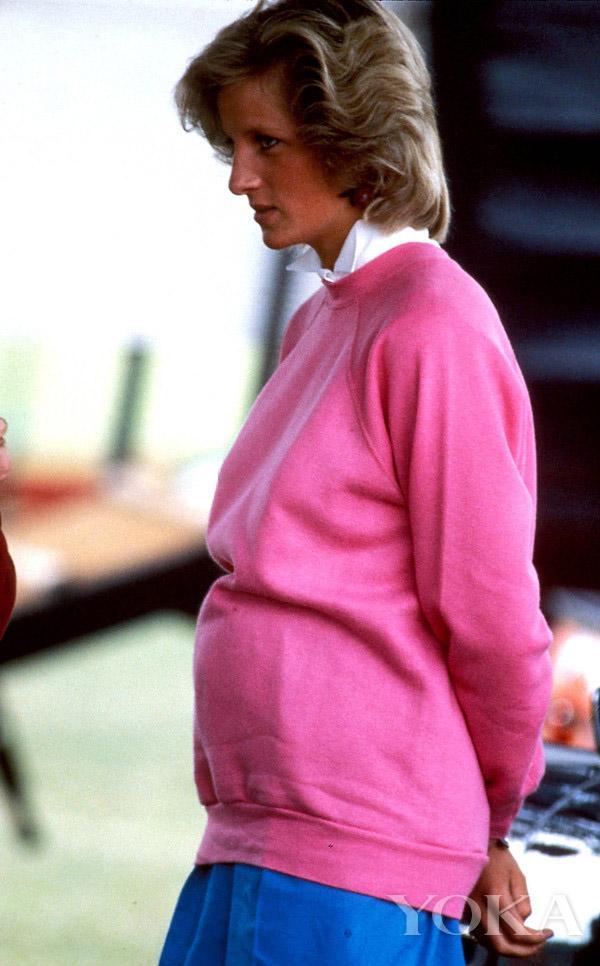 Thì ra mốt giấu quần được công nương Diana lăng xê từ lâu rồi-8
