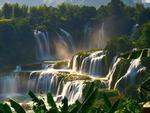Phát cuồng vì thác nước đẹp không tưởng ẩn mình trong hẻm núi-7