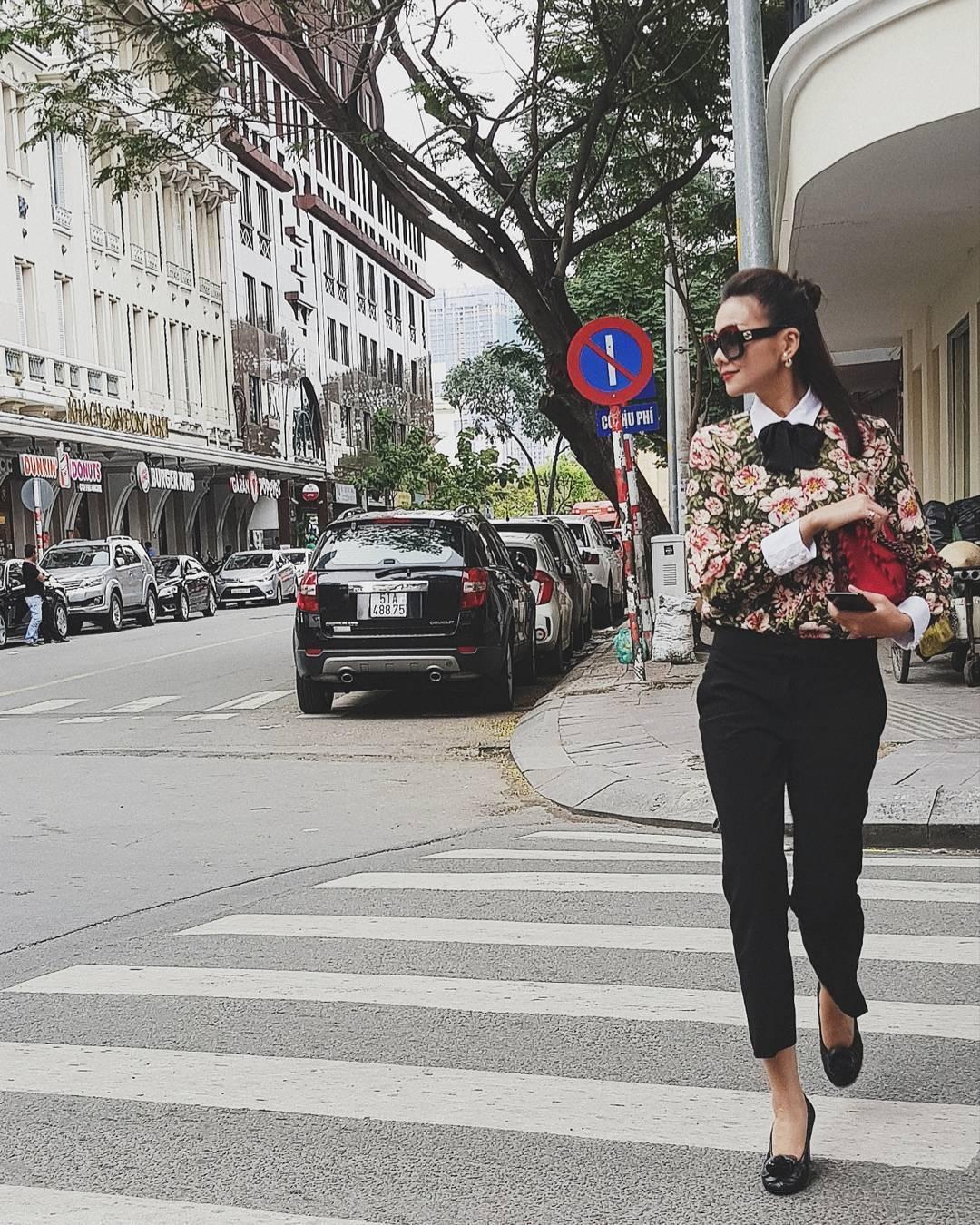 Tin sao Việt 17/8: Linh Chi đi tư vấn làm đẹp giữa ồn ào tình ái-10