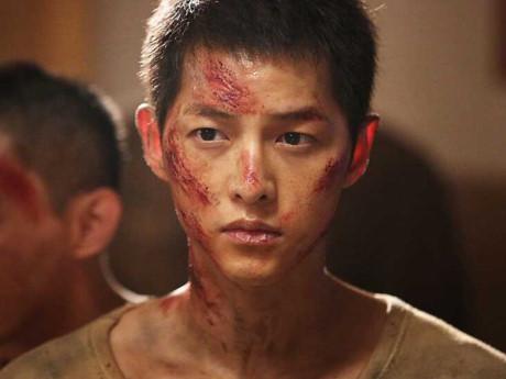 Chồng Song Hye Kyo lép vế đàn anh trong 'Đảo địa ngục'-2