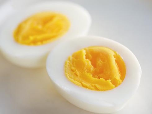 Ăn trứng gà kiểu này chẳng khác nào tự đầu độc cả gia đình