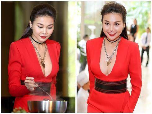 Nấu bếp cũng phải gợi cảm như Thanh Hằng mới chịu!
