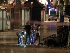 'Khủng bố' liên tiếp ở Tây Ban Nha sau vụ đâm xe làm 13 người chết