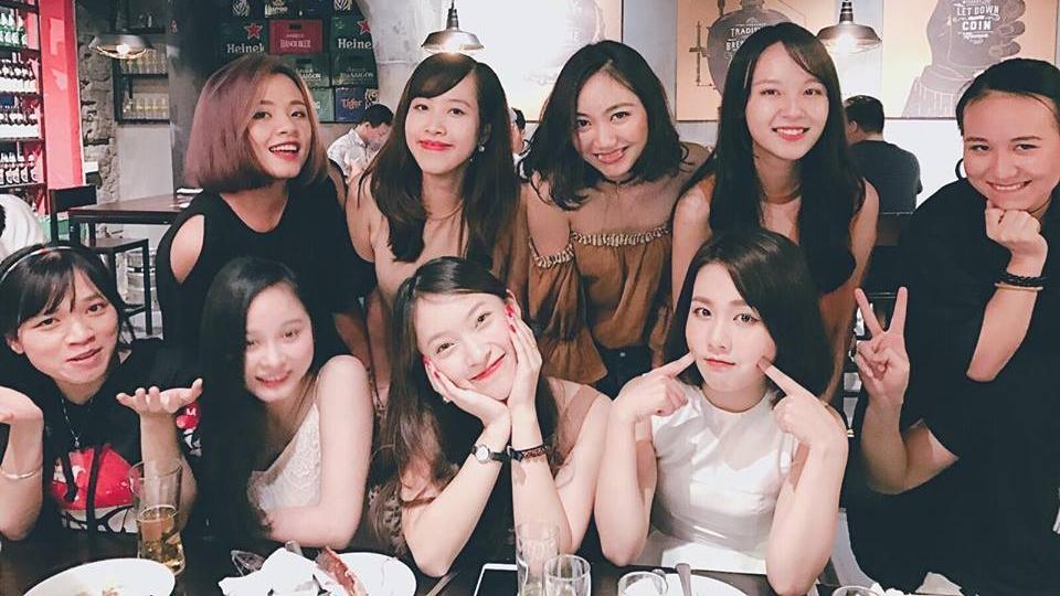Hot girl - hot boy Việt 18/8: Phở - SunHt công khai ảnh 'khóa môi'-9