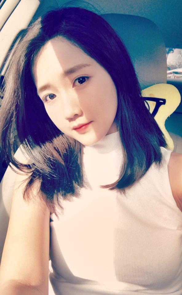 Hot girl - hot boy Việt 18/8: Phở - SunHt công khai ảnh 'khóa môi'-10