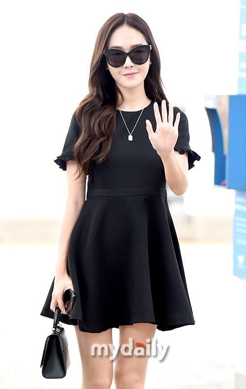 Mê mẩn style sân bay đơn giản nhưng cực bắt mắt của Jessica Jung-1