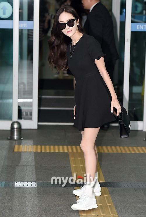 Mê mẩn style sân bay đơn giản nhưng cực bắt mắt của Jessica Jung-2
