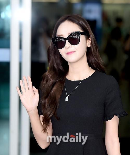 Mê mẩn style sân bay đơn giản nhưng cực bắt mắt của Jessica Jung-3