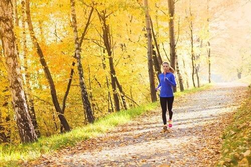 Mùa thu tới rồi, 7 lý do sau đây sẽ ủn bạn quen dần thói quen chạy bộ-2