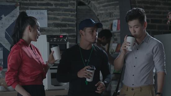 Đỏ mặt với nụ hôn táo bạo của Angela Phương Trinh và Rocker Nguyễn trong tập 1 Glee-5